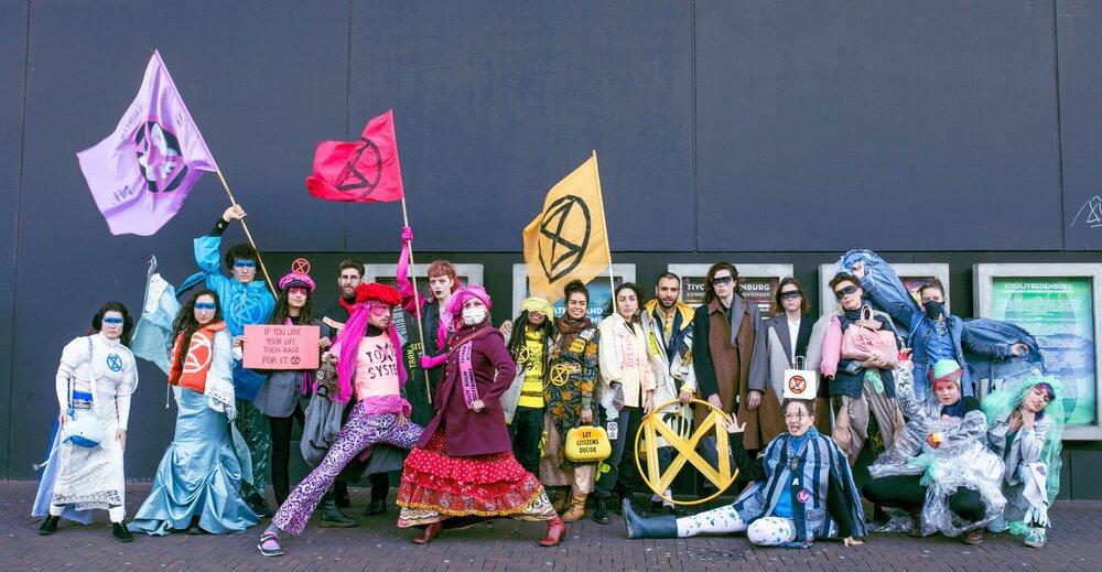 XR NL Fashion Action